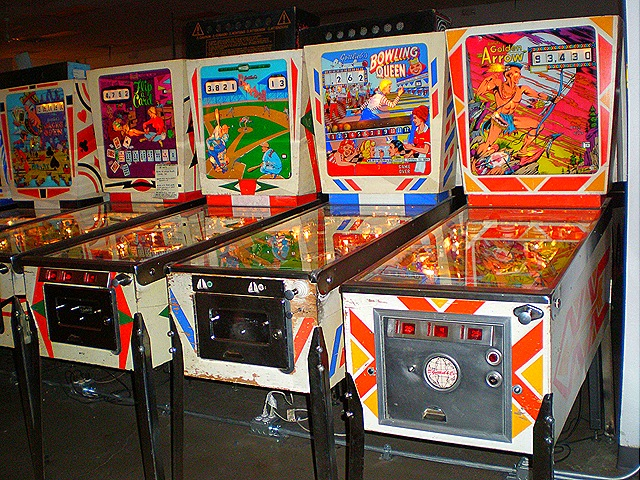 Vintage Arcade Games >> Machineguns, Spies, And Pinball Wizards – Gypsy Journal RV Travel Newspaper