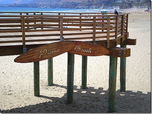 Pismo surfboard sign