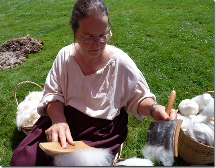 Lois Robbins carding wool 3