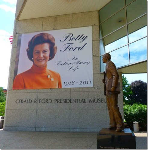 Ford statue