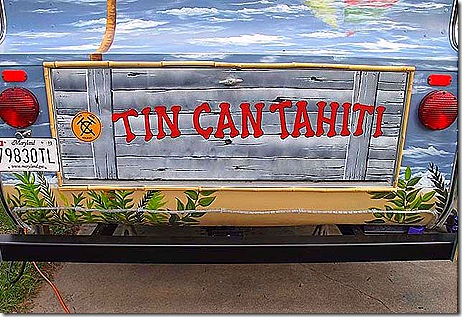 Tin Can Tahati sign