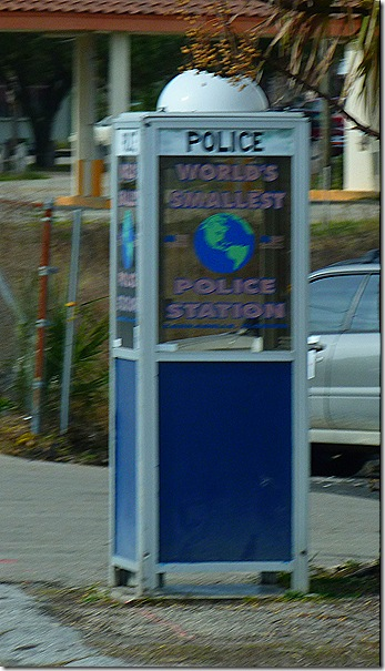 Carabelle police phone boothb