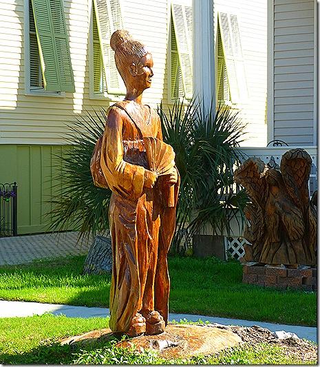 Tree statue lady 2