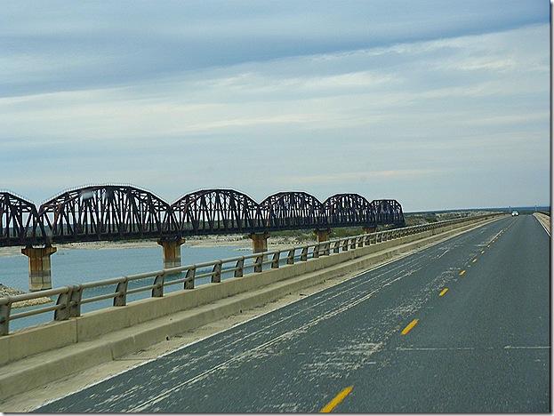 Lake Amistad bridges