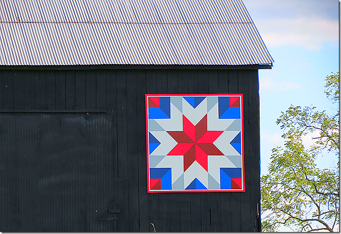 Quilt on barn