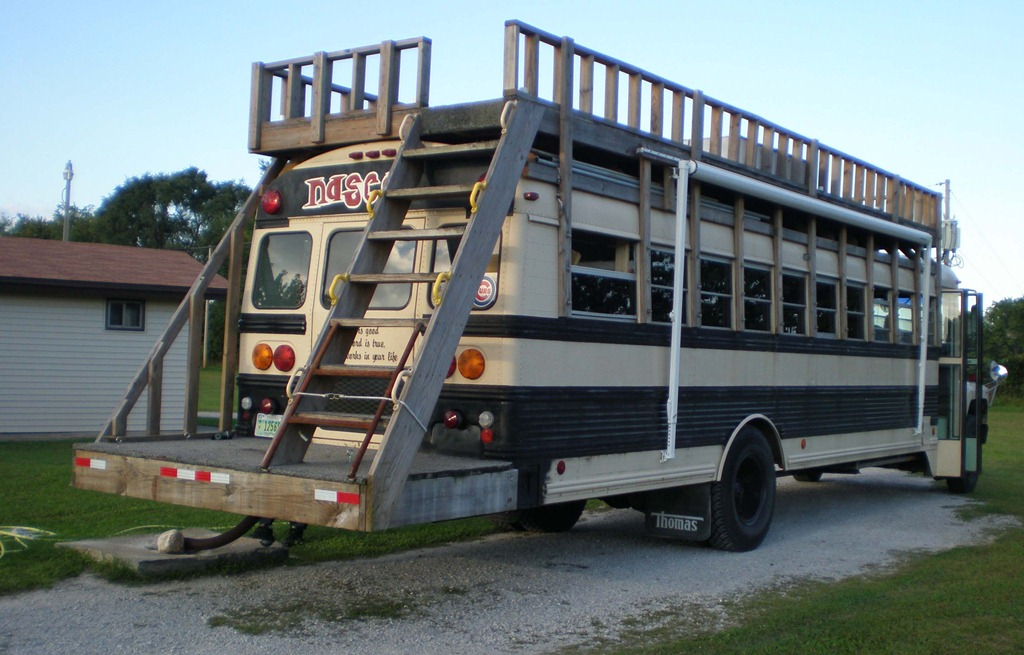 Deck The 15 Most Ratchet School Bus Conversions Complex