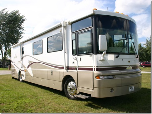 Winnebago right front quarter