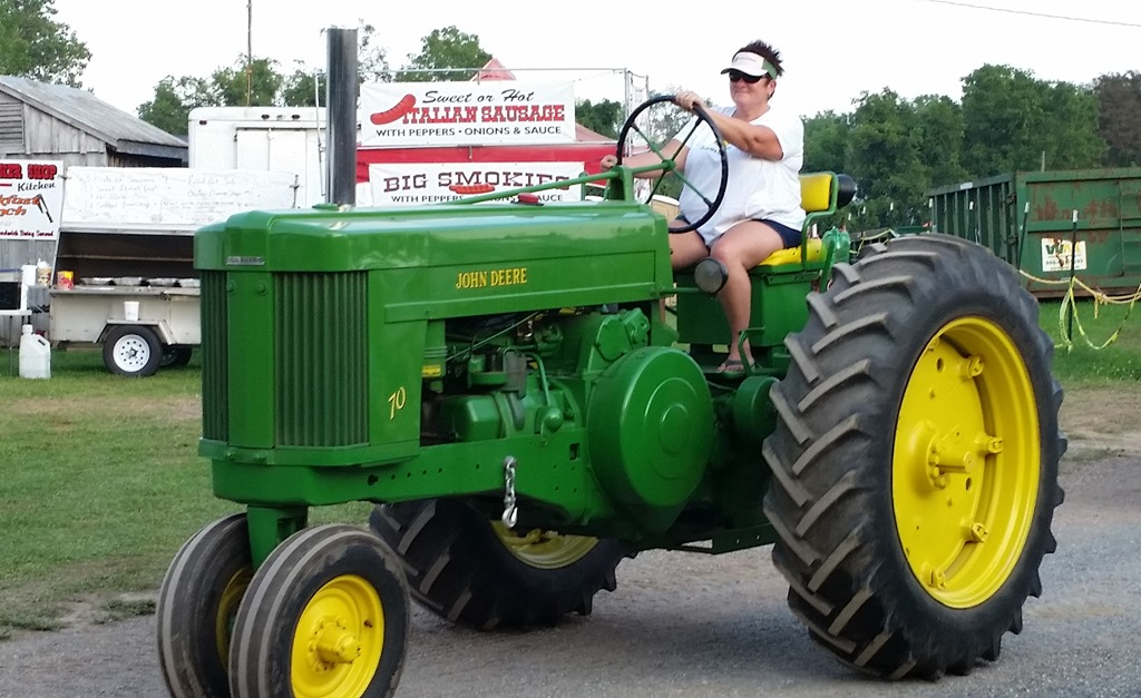 John Deere Girls : The gallery for gt girls and tractors