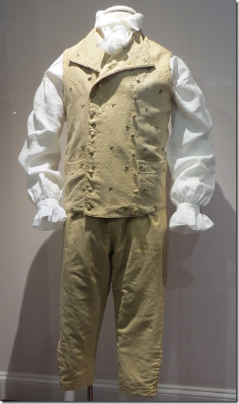 Monroe clothes