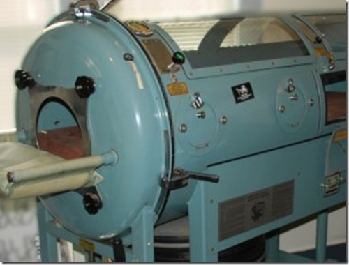 iron-lung-300x227