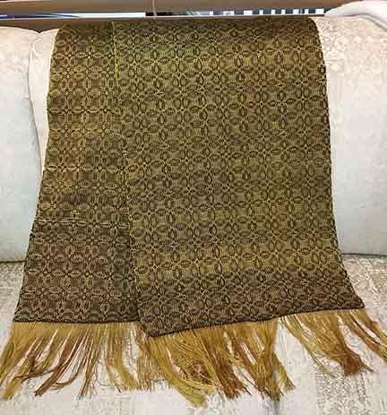 Gold shawl web