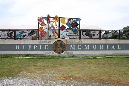 Hippie monument 2