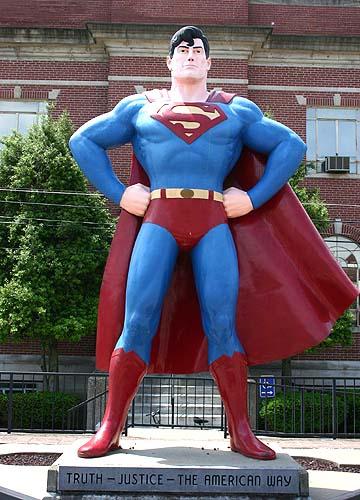 superman statue 2