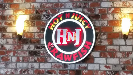 Hot N Juicy sign small