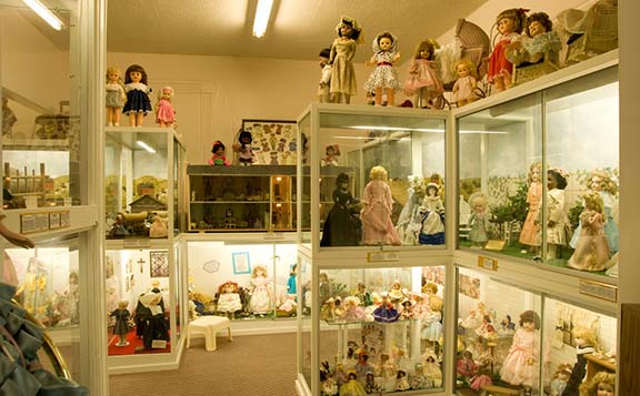 Society of Memories Doll Museum, St. Joseph