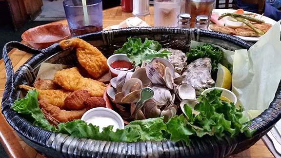 Seafood basket small