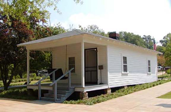 elvis home inside outside 4