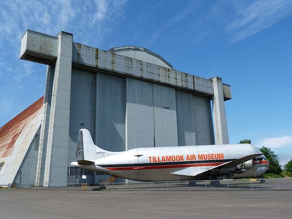Air Museum plane outside