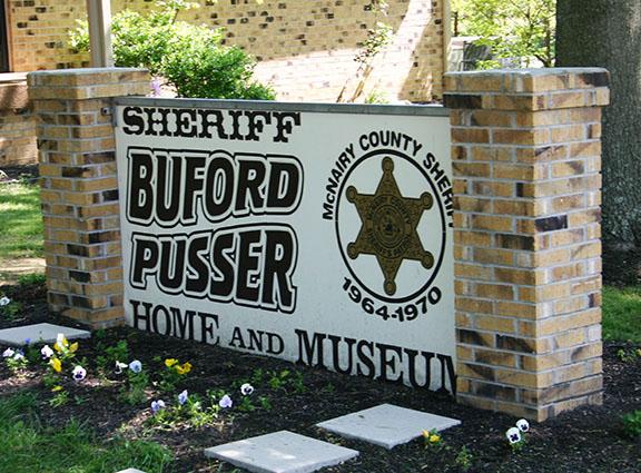 Pusser museum sign