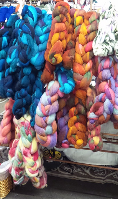 Yarn display 3